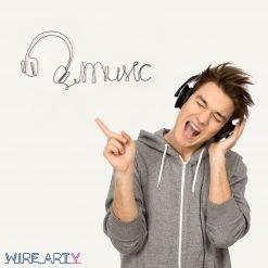 """אוזניות עם המילה """"מוזיקה"""" באנגלית (Music)"""