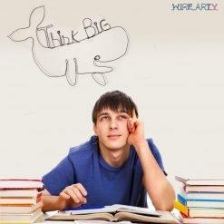 """לוויתן עם המילים """"לחשוב בגדול"""" באנגלית (Think Big)"""