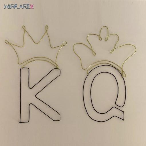 אותיות K , Q עם כתר - מלך ומלכה
