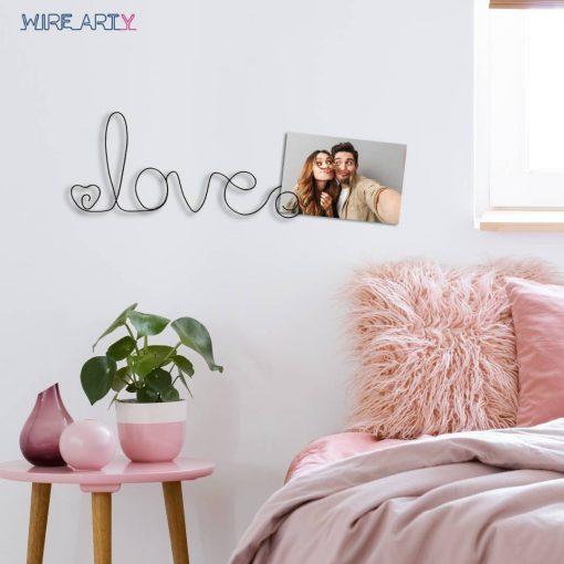 שלט אהבה עם אפשרות לתליית תמונות